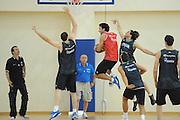 DESCRIZIONE : Roma Centro Sportivo Coni Acqua Acetosa Raduno Collegiale Nazionale Italiana Maschile Allenamento<br /> GIOCATORE : Luigi Datome Simone Pianigiani<br /> SQUADRA : Nazionale Italia Uomini <br /> EVENTO : Raduno Collegiale Nazionale Italiana Maschile <br /> GARA : Allenamento<br /> DATA : 29/07/2010 <br /> CATEGORIA : ritratto<br /> SPORT : Pallacanestro <br /> AUTORE : Agenzia Ciamillo-Castoria/GiulioCiamillo<br /> Galleria : Fip Nazionali 2010 <br /> Fotonotizia : Roma Centro Sportivo Coni Acqua Acetosa Raduno Collegiale Nazionale Italiana Maschile Allenamento<br /> Predefinita :