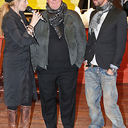 NLD/Amsterdam/20101208 - Skyradio Christmas Tree for Charity 2010, Marleyne Sahupala met de jury Bastiaan van Schaik en Mari van der Ven