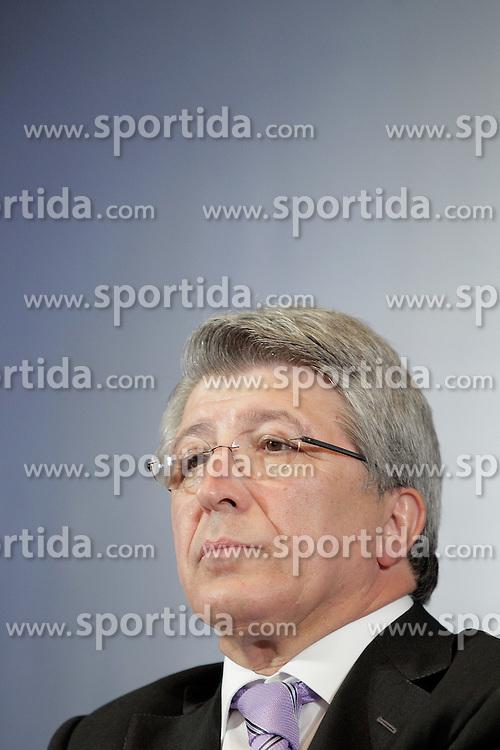 26.07.2010, Estadio Santiago Bernabeu, Madrid, ESP, Atletico de Madrid new Player Filipe Luis, im Bild Atletico de Madrid's president Enrique Cerezo. EXPA Pictures © 2010, PhotoCredit: EXPA/ Alterphotos/ +++++ ATTENTION - OUT OF SPAIN +++++ / SPORTIDA PHOTO AGENCY