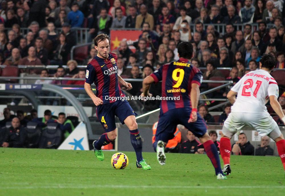 22.11.2014. Barcelona. Spain, La Liga football. Barcelona versus Sevilla.  Barcelona versus Sevilla. Rakitic takes on Pareja