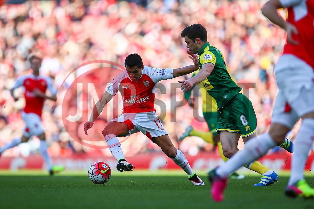 Alexis Sanchez of Arsenal puts Norwich City under pressure early on - Mandatory byline: Jason Brown/JMP - 07966386802 - 30/04/2016 - FOOTBALL - Emirates Stadium - London, England - Arsenal v Norwich City - Barclays Premier League
