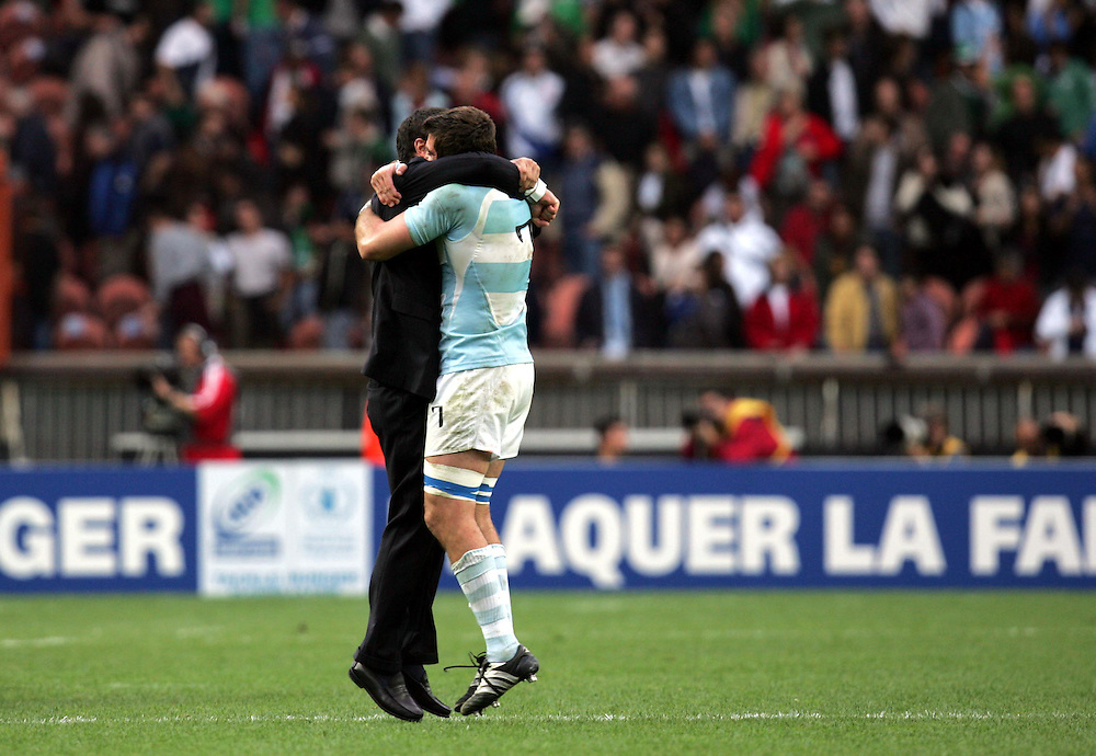Argentina celebrate victory. Ireland v Argentina, Parc Des Princes, Paris, France, 30th September 2007. Rugby World Cup 2007. ..