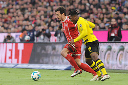 31.03.2018, Allianz Arena, Muenchen, GER, 1. FBL, FC Bayern Muenchen vs Borussia Dortmund, 28. Runde, im Bild vl. Mats Hummels (FC Bayern Muenchen) und Michy Batshuayi (Borussia Dortmund 44) // during the German Bundesliga 28th round match between FC Bayern Munich and Borussia Dortmund at the Allianz Arena in Muenchen, Germany on 2018/03/31. EXPA Pictures © 2018, PhotoCredit: EXPA/ Eibner-Pressefoto/ Stuetzle<br /> <br /> *****ATTENTION - OUT of GER*****