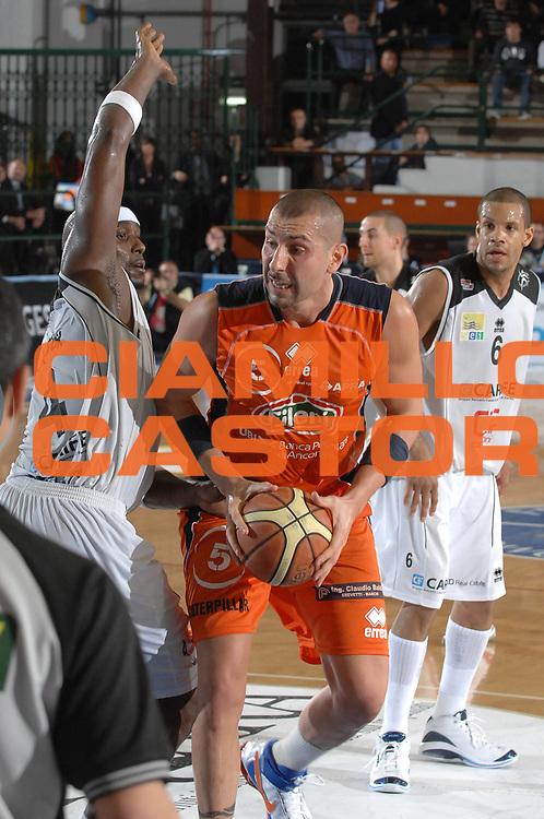 DESCRIZIONE : Ferrara Lega A2 2007-08 Final Four Coppa Italia Finale Fileni Jesi Carife Ferrara<br /> GIOCATORE : Michele Maggioli<br /> SQUADRA : Fileni Jesi<br /> EVENTO : Campionato Lega A2 2007-2008 <br /> GARA : Fileni Jesi Carife Ferrara<br /> DATA : 02/03/2008 <br /> CATEGORIA : Penetrazione<br /> SPORT : Pallacanestro <br /> AUTORE : Agenzia Ciamillo-Castoria/M.Gregolin