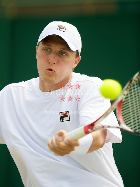 LONDON, ENGLAND - Thursday, June 25, 2009: Liverpool's Kenneth Skupski (GBR) during the Gentlemen's Doubles 1st Round match on day four of the Wimbledon Lawn Tennis Championships at the All England Lawn Tennis and Croquet Club. (Pic by David Rawcliffe/Propaganda)