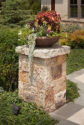 40577_Gretna_Flower_Pot_2_L.jpg