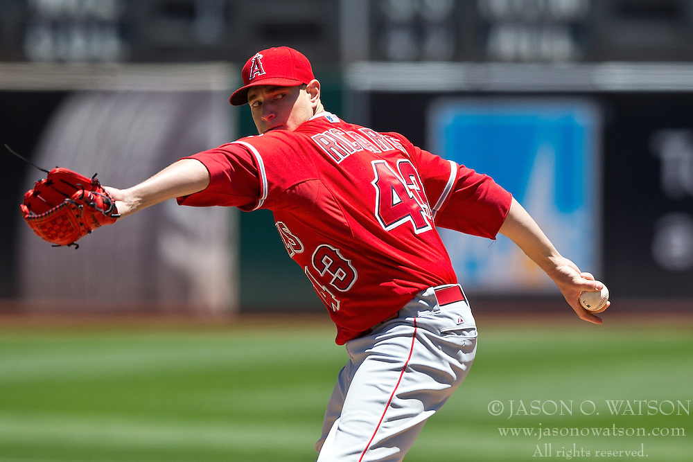 OAKLAND, CA - JUNE 21:  Garrett Richards #43 of the Los Angeles Angels of Anaheim pitches against the Oakland Athletics during the first inning at O.co Coliseum on June 21, 2015 in Oakland, California. (Photo by Jason O. Watson/Getty Images) *** Local Caption *** Garrett Richards