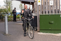 Pictured: Patrick Harvie gets on his bike to Parliament<br />