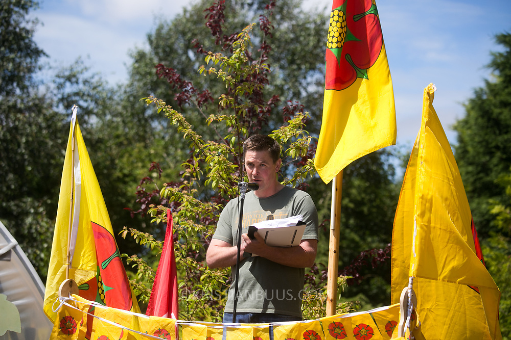 Lancashire community family launch event of the Roling Resistance 30 day campaign. Farmer Robert Sanderson.