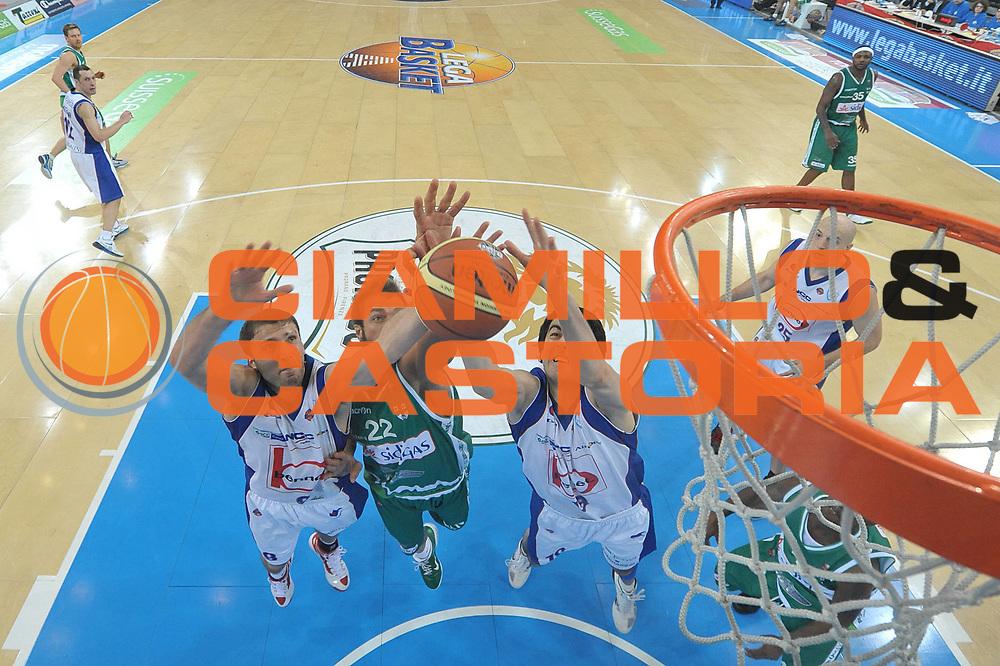 DESCRIZIONE : Torino Coppa Italia Final Eight 2012 Quarti Di Finale Bennet Cantu Sidigas Avellino<br /> GIOCATORE : Markoishvili<br /> CATEGORIA : special rimbalzo<br /> SQUADRA : Bennet Cantu<br /> EVENTO : Suisse Gas Basket Coppa Italia Final Eight 2012<br /> GARA : Bennet Cantu Sidigas Avellino<br /> DATA : 17/02/2012<br /> SPORT : Pallacanestro<br /> AUTORE : Agenzia Ciamillo-Castoria/C.De Massis<br /> Galleria : Final Eight Coppa Italia 2012<br /> Fotonotizia : Torino Coppa Italia Final Eight 2012 Quarti Di Finale Bennet Cantu Sidigas Avellino<br /> Predefinita :
