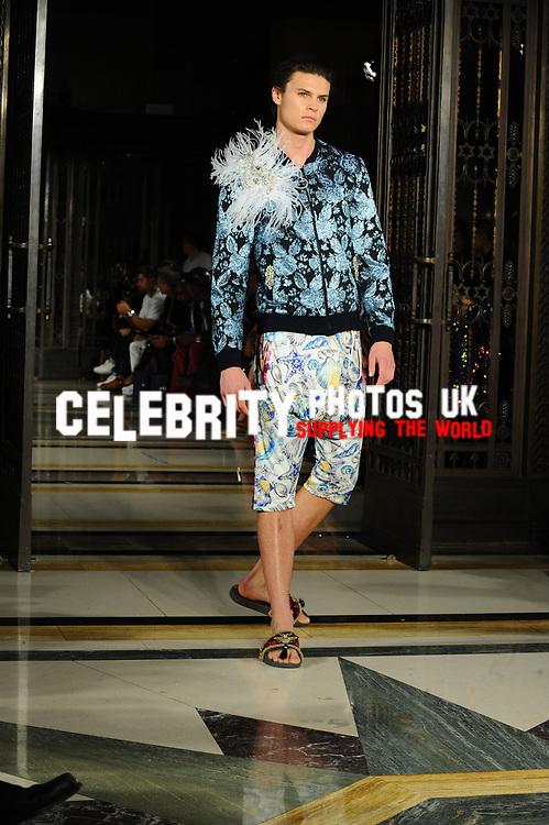 Dubai Design And Fashion Council X Fad Fashon Show Celebrityphotosuk Com
