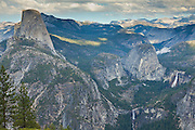 A view of the glacial-carved Yosemite Valley from Washburn Point