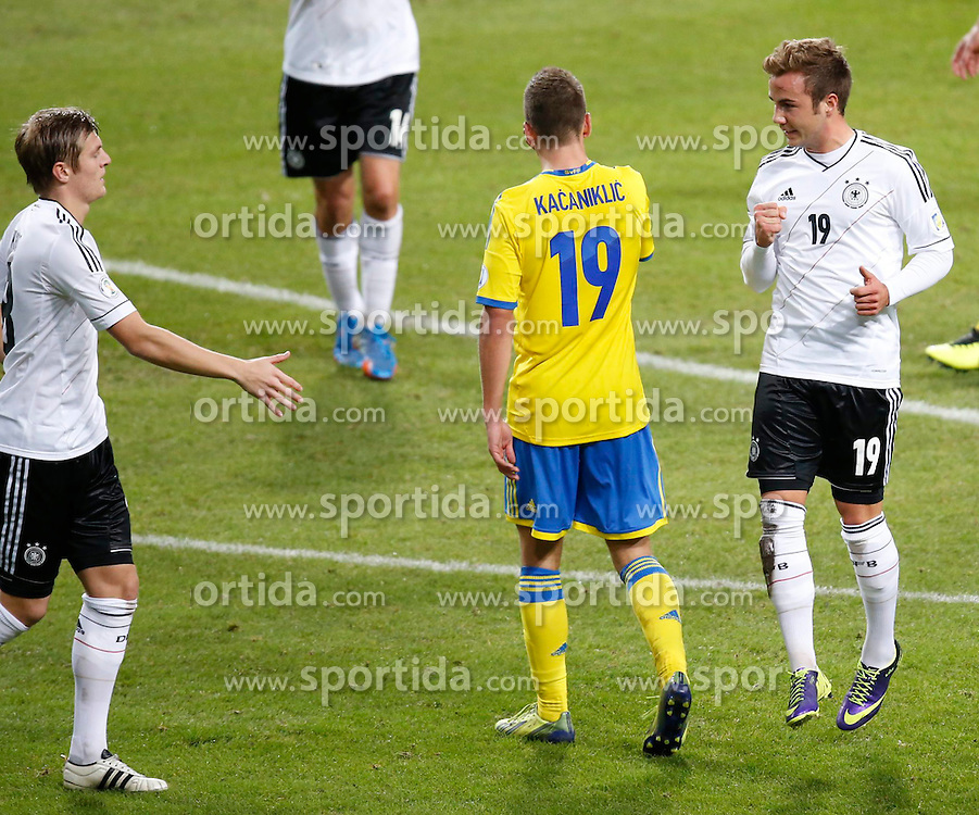 15.10.2013, Friends Arena, Stockholm, SWE, FIFA WM Qualifikation, Schweden vs Deutschland, Gruppe C, im Bild Germany 19 Mario G�tze Gotze celebrate 2-2 Sverige 19 Alexander Kacaniklic // during the FIFA World Cup Qualifier Group C Match between Sweden and Germany at the Friends Arena, Stockholm, Sweden on 2013/10/15. EXPA Pictures � 2013, PhotoCredit: EXPA/ PicAgency Skycam/ Sami Grahn<br /> <br /> ***** ATTENTION - OUT OF SWE *****