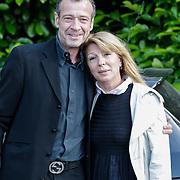 NLD/Bilthoven/20120618 - Uitvaart Will Hoebee, Hans van Barneveld en partner Tina S