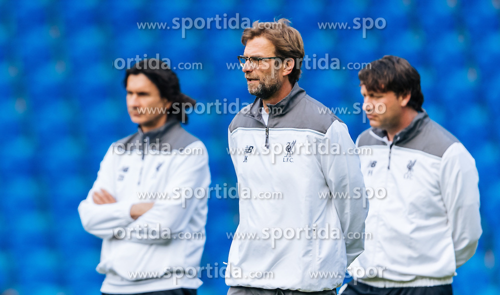 17.05.2016, St. Jakob Park, Basel, SUI, UEFA EL, FC Liverpool vs Sevilla FC, Finale, im Bild Liverpooler Trainer-Trio: Zeljko Buvac, Juergen Klopp und Peter Krawietz // Liverpool manager Trio: Zeljko Buvac, Juergen Klopp and Peter Krawietz during the Training in front of the Final Match of the UEFA Europaleague between FC Liverpool and Sevilla FC at the St. Jakob Park Stadium in Basel, Switzerland on 2016/05/17. EXPA Pictures © 2016, PhotoCredit: EXPA/ JFK