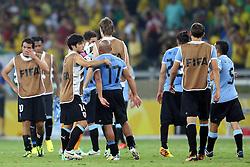 Jogadores do Uruguai no final da partida na qual o Brasil venceu por 2x1 e garantiu vaga na final da Copa das Confederações, no Estádio Mineirão, em Belo Horizonte-MG. FOTO: Jefferson Bernardes/Preview.com