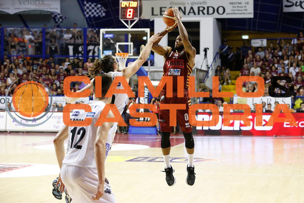 \tr0\<br /> Umana Reyer Venezia - Dolomiti Energia Aquila Basket Trento<br /> Lega Basket Serie A 2016/17 Finali Gara 02<br /> Venezia, 12/06/2017<br /> Foto Ciamillo-Castoria / M. Brondi