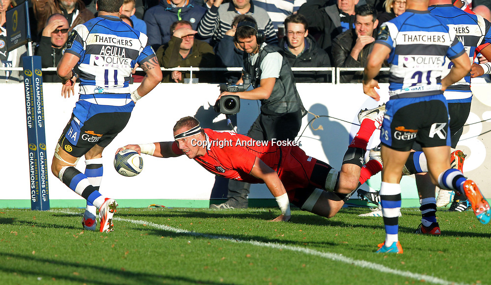 European Rugby Champions Cup Round 2, The Recreation Ground, Bath, England 25/10/2014<br /> Bath vs Toulouse<br /> Imanol Harinordoquy of Toulouse dives over to score a try<br /> Mandatory Credit &copy;INPHO/ Andrew Fosker