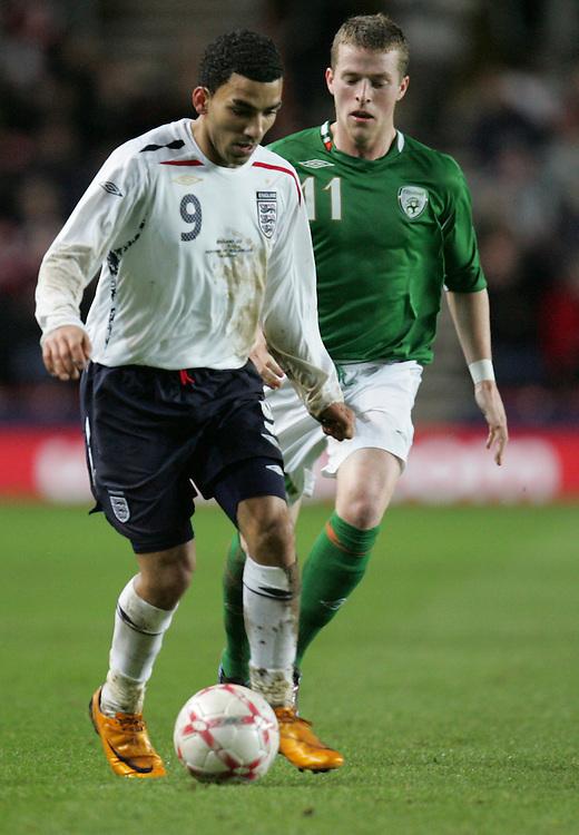 Aaron Lennon takes on Billy Clarke of Ireland. England v Republic of Ireland, Uefa Under-21 Championship Qualifier, Tuesday 5th February 2008, St Marys, Southampton.