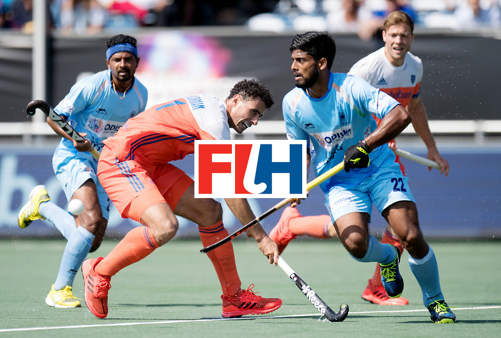 BREDA - Rabobank Hockey Champions Trophy<br /> The Netherlands - India<br /> Photo: Glenn Schuurman and Varun Kumar.<br /> COPYRIGHT WORLDSPORTPICS FRANK UIJLENBROEK