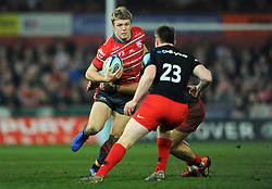 Ollie Thorley of Gloucester Rugby tries to get past Nick Tompkins of Saracens- Mandatory by-line: Nizaam Jones/JMP - 22/02/2019 - RUGBY - Kingsholm - Gloucester, England- Gloucester Rugby v Saracens - Gallagher Premiership Rugby