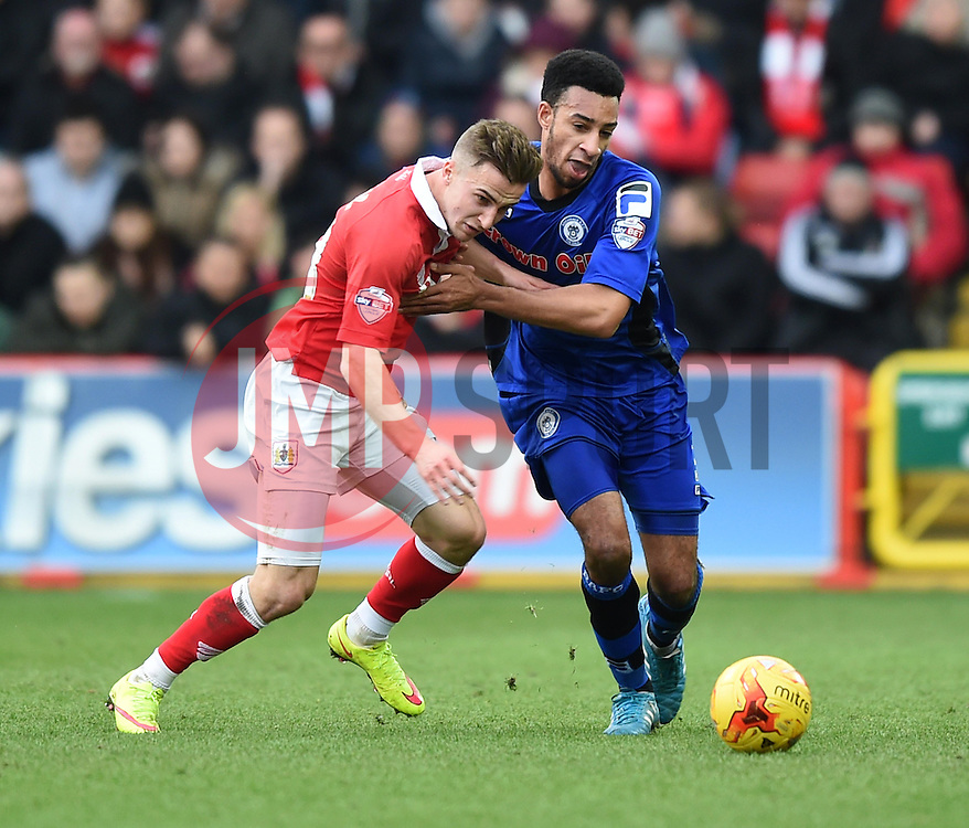 Bristol City's Joe Bryan tussles with Rochdale's Rhys Bennett - Photo mandatory by-line: Paul Knight/JMP - Mobile: 07966 386802 - 28/02/2015 - SPORT - Football - Bristol - Ashton Gate Stadium - Bristol City v Rochdale - Sky Bet League One