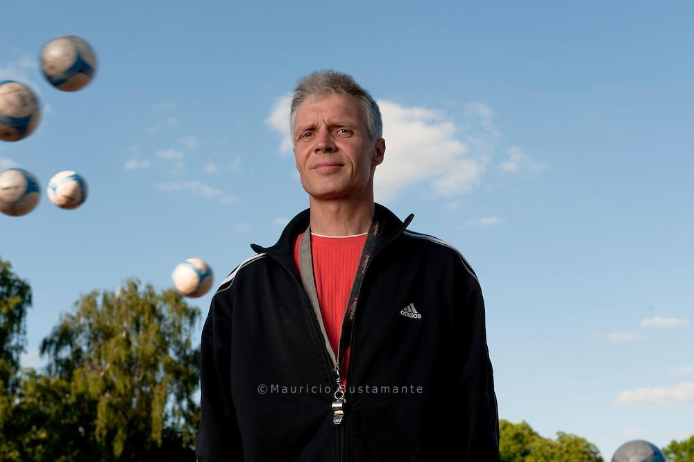 Bundestrainer Stefan Huhn. Homeless World Cup 2010.