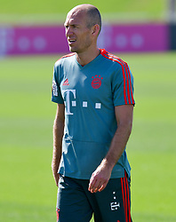Bayern Munich's Arjen Robben  take part in the  winter training camp at the Aspire Academy of Sports Excellence in the Qatari capital Doha on January. 05, 2019. FC Bayern Munich will stay in the Doha until10 January 2019 (X?inhua/Nikku) (Credit Image: © Nikku/Xinhua via ZUMA Wire)