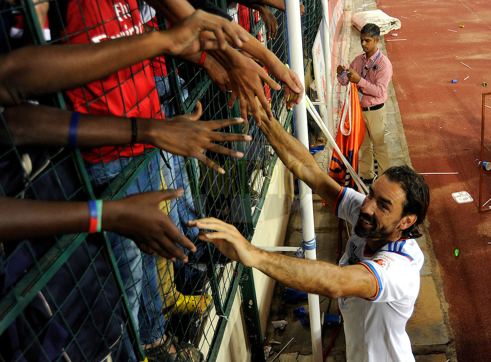 Robert Pires of FC Goa meet his fans after match 50 of the Hero Indian Super League between Chennaiyin FC and FC Goa held at the Jawaharlal Nehru Stadium, Chennai, India on the 5th December 2014.<br /> <br /> Photo by:  Pal Pillai/ ISL/ SPORTZPICS