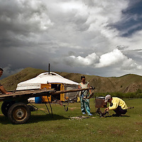 "Images of the daily life of the Mongols nomads in the country side of Mongolia, where mostly of the populations live in ""Gers"" the typical mongol house, as they ancesters used to live for centuries.  July 2007. Photo: Bernardo De Niz/ Mongolia."