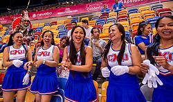 08-07-2017 NED: World Grand Prix Netherlands - Thailand, Apeldoorn<br /> Third match of first weekend of group C during the World Grand Prix / Twee uur van te voren was de sfeer in De Voorwaarts Arena al uitstekend met de Thaise supporters