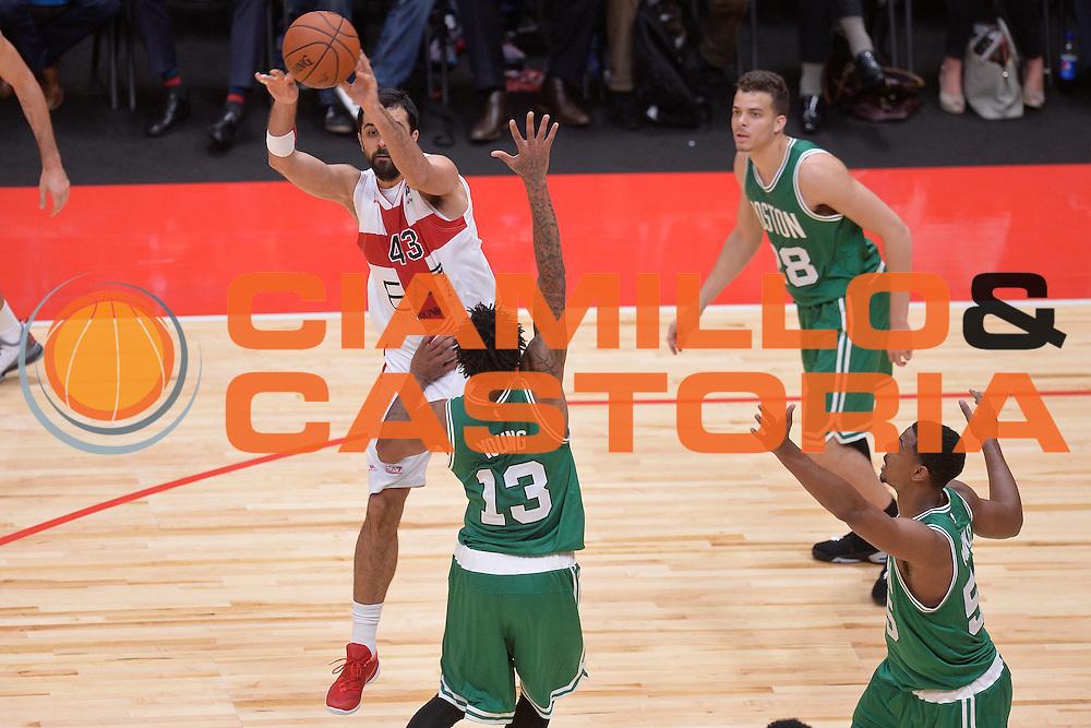 DESCRIZIONE : Milano NBA Global Games EA7 Olimpia Milano - Boston Celtics<br /> GIOCATORE : Krunoslav Simon<br /> CATEGORIA : Passaggio<br /> SQUADRA :  Olimpia EA7 Emporio Armani Milano<br /> EVENTO : NBA Global Games 2016 <br /> GARA : NBA Global Games EA7 Olimpia Milano - Boston Celtics<br /> DATA : 06/10/2015 <br /> SPORT : Pallacanestro <br /> AUTORE : Agenzia Ciamillo-Castoria/IvanMancini<br /> Galleria : NBA Global Games 2016 Fotonotizia : NBA Global Games EA7 Olimpia Milano - Boston Celtics