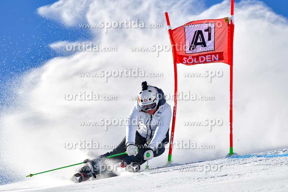 22.10.2016, Rettenbachferner, Soelden, AUT, FIS Weltcup Ski Alpin, Soelden, Riesenslalom, Damen, 1. Durchgang, im Bild Alexandra Meissnitzer // Alexandra Meissnitzer in action during 1st run of ladies Giant Slalom of the FIS Ski Alpine Worldcup opening at the Rettenbachferner in Soelden, Austria on 2016/10/22. EXPA Pictures &copy; 2016, PhotoCredit: EXPA/ Nisse Schmid<br /> <br /> *****ATTENTION - OUT of SWE*****