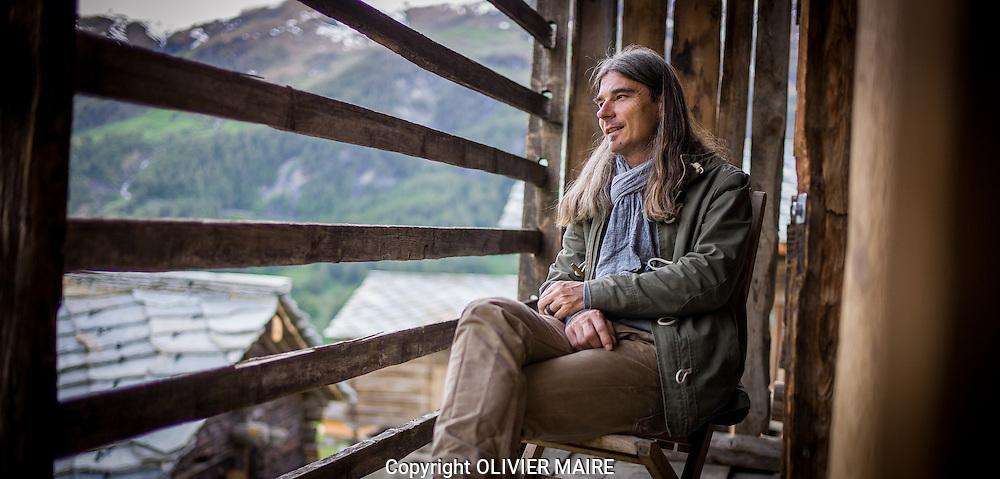 Olivier Cheseaux et les mayens anako lodge &agrave; la Forclaz dans le val d'h&eacute;rens en Valais, le 30 mai 2016<br /> (OLIVIER MAIRE)