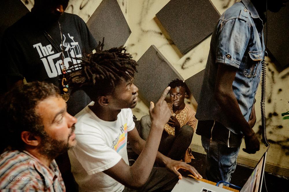 Kenia 2017: Nairobi, Kivuli Centre. Studio di registrazione, Faruk e Idris diretti da Francesco Medda