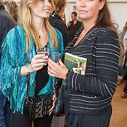 NLD/Amsterdam/20150608 -Yoga  Boekpresentaie Danielle van 't Schip - Oonk, Joelle Witschge en haar moeder Lia Witschge - Huis in 't Veld