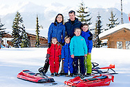 8-2-2015 -VERBIER  Crownprince Frerderik and Crownprincess Mary of Denmark pose with their children Prins Christian, Princess Isabella, Prince Vincent and Princess Josehpine for the media during their holiday in Verbier, Switzerland on 8-2-2015  ZWITSERLAND  Danish Photosession  - COPYRIGHT ROBIN UTRECHT
