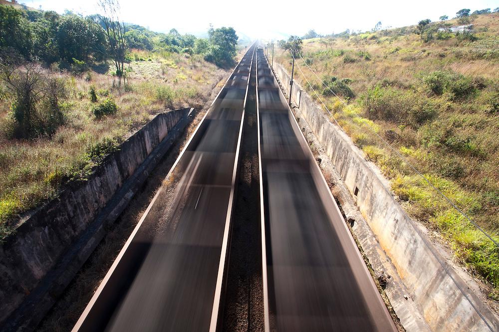 Sao Bras do Suacui_MG, Brasil...Ferrovia em Sao Bras do Suacui, Minas Gerais...The railway in Sao Bras do Suacui, Minas Gerais...Foto: LEO DRUMOND / NITRO