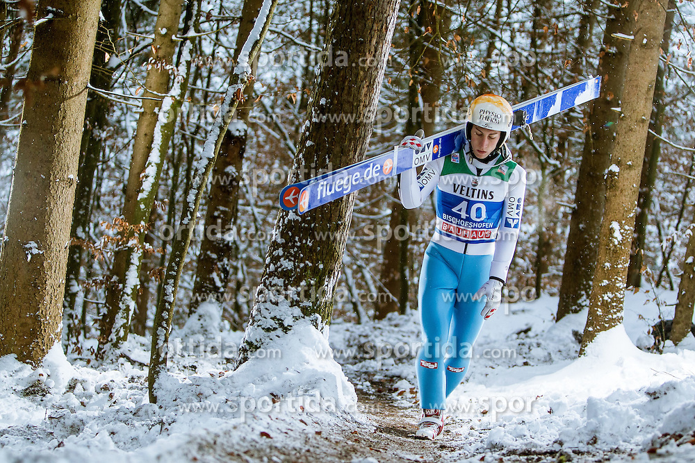 05.01.2015, Paul Ausserleitner Schanze, Bischofshofen, AUT, FIS Ski Sprung Weltcup, 63. Vierschanzentournee, Training, im Bild Thomas Diethart (AUT) // during Training of 63rd Four Hills <br /> Tournament of FIS Ski Jumping World Cup at the Paul Ausserleitner Schanze, Bischofshofen, Austria on 2015/01/05. EXPA Pictures &copy; 2015, PhotoCredit: EXPA/ JFK