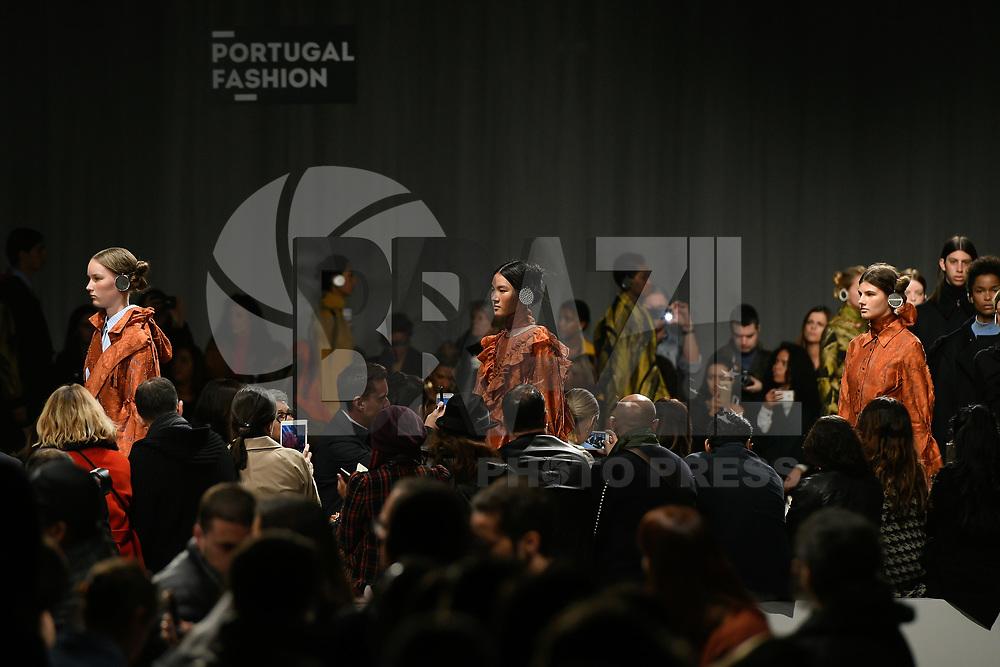 LISBOA, PORTUGAL, 22.03.2017 - PORTUGAL FASHION - Modelo desfilando para a grife Alexandra Moura durante o show no Portugal Fashion, na Cordoaria Nacional, em Lisboa, Portugal, nessa quarta 22. (Foto: Bruno de Carvalho / Brazil Photo Press)