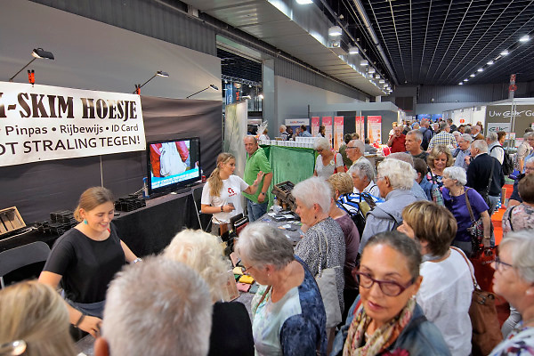 Nederland, Utrecht, 20-9-2018 Ouderen, senioren, bezoekers op de 50plus beurs. Foto: Flip Franssen