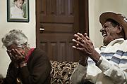 Grao Mongol _ MG, 07 de agosto de 2007..Fotografias feitas no Vale do Jequitinhonha para a Revista Globo Rural cujo tema é Garimpo...Na foto: Seu Marao (Garimpeiro) e sua esposa...FOTO: JOAO MARCOS ROSA / AGENCIA NITRO
