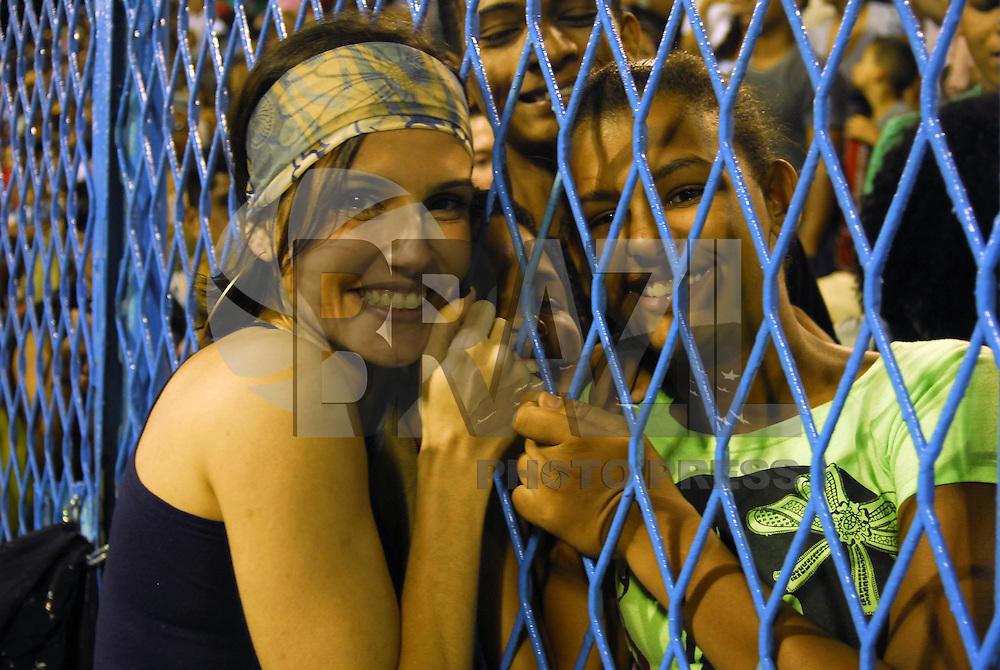 RIO DE JANEIRO, RJ, 29 DE JANEIRO DE 2012 - CARNAVAL 2012 - ENSAIO UNIDOS VIRADOURO - Escola de Samba Unidos do Viradouro durante ensaio tecnico para o Carnaval 2012, na noite deste domingo, 29, na Marques de Sapucai no Rio de Janeiro. (FOTO: RONALDO BRANDAO - BRAZIL PHOTO PRESS).