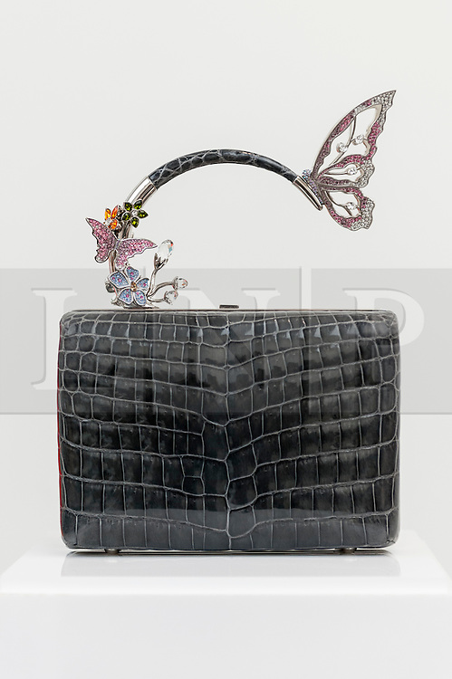 © Licensed to London News Pictures. 22/02/2016. London, UK.  An elaborate handbag by Ming Ray on display as Scoop London takes place at the Saatchi Gallery in Chelsea.  Running concurrently with London Fashion Week AW16, the show attracts fashion buyers from around the world who come to meet designers presenting their products amongst the gallery's artworks. Photo credit : Stephen Chung/LNP