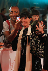 23.09.2011, Sebastian Donostia, ESP, 59. San Sebsatian Filmfestival, Zinemaldia, im Bild French actress Geraldine Chaplin with the fans during the 59th San Sebastian Donostia International Film Festival - Zinemaldia.September 23,2011. EXPA Pictures © 2011, PhotoCredit: EXPA/ Alterphoto/ Acero +++++ ATTENTION - OUT OF SPAIN/(ESP) +++++