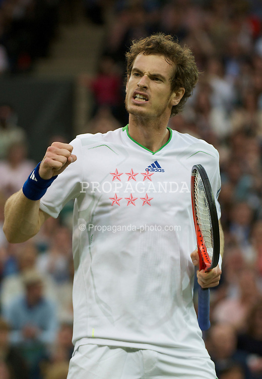 LONDON, ENGLAND - Friday, June 24, 2011: Andy Murray (GBR) celebrates winning the first set during the Gentlemen's Singles 3rd Round match on day five of the Wimbledon Lawn Tennis Championships at the All England Lawn Tennis and Croquet Club. (Pic by David Rawcliffe/Propaganda)