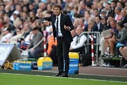 Chelsea Manager Antonio Conte gives his teams instructions. - Mandatory byline: Alex James/JMP - 07966386802 - 11/09/2016 - FOOTBALL - Barclays premier league -swansea,Wales - Swansea v Chelsea  -