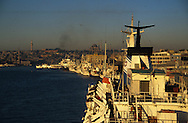 Turkey. Istanbul. port on the Bosphore, /  Le port d'Istamboul, sur le Bosphore, Turquie    Mediteranee   /  Le port d'Istamboul, sur le Bosphore, Turquie    Mediteranee