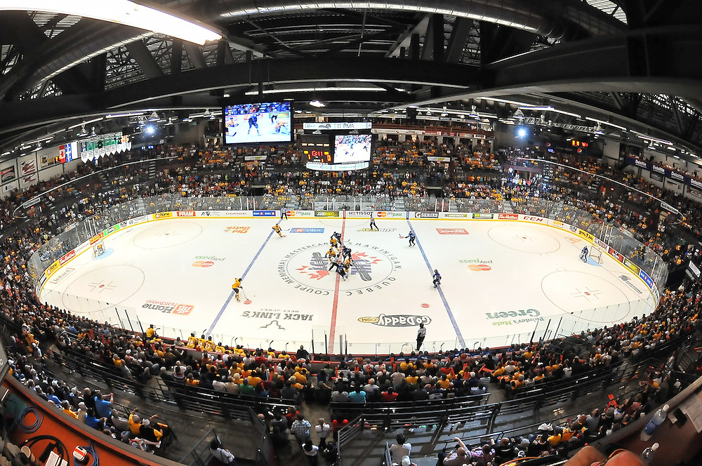 Action from Game 6 of the 2012 MasterCard Memorial Cup between the Shawinigan Cataractes and the Saint John Sea Dogs in Shawinigan, Quebec on Wenesday May 23, 2012. Photo by Terry Wilson / CHL Images.