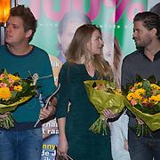 NLD/Volendam/20131126 - Onthulling kerstnummer 100% NL, Kees Tol, Sandra van Nieuwland en Simon Keizer